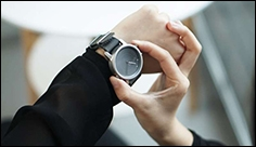 Light-harvesting smartwatch