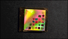 Mirrored chip could enable handheld dark-field microscopes
